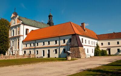 Barokowy zespół klasztorny w Zarębach Kościelnych